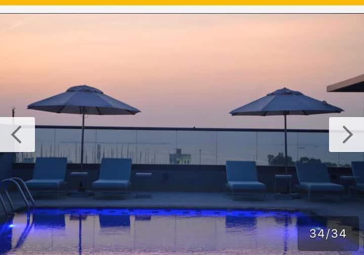 Best Deal  - 4 Star Hotel In Jumeirah Near Beach
