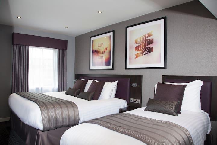 EPIC one bedroom apartment - Duke Street