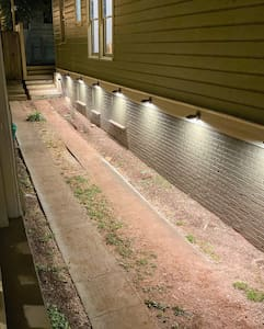 The paths around the house are lit all night, so you can arrive more easily in the evenings.