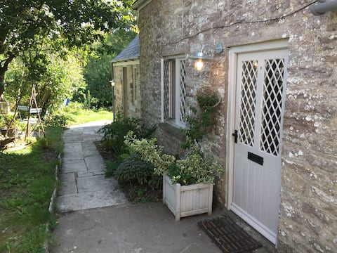 Private entry in new annexe at Kingston cottage