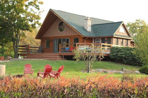 Log Cabin Lakehouse