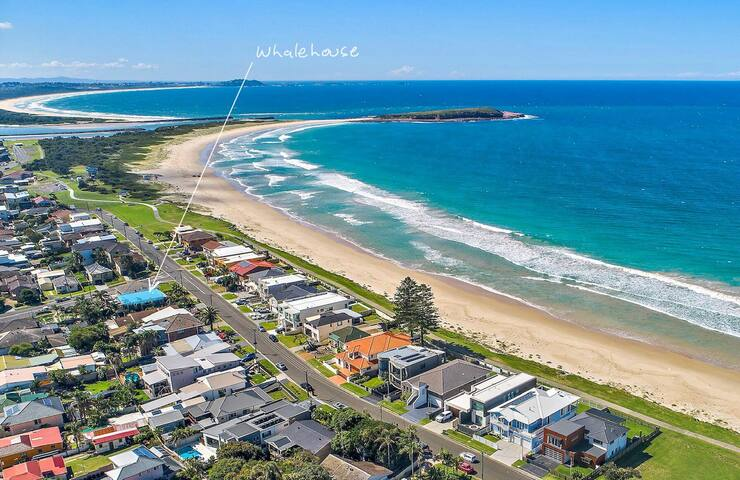 Whale House - family getaway near Warilla Beach