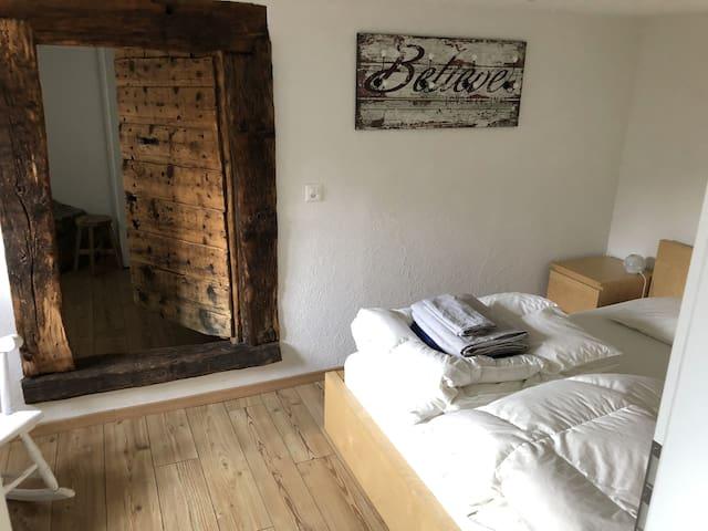 Schlafzimmer 1, für 2 Personen, mit Doppelbett 160*200