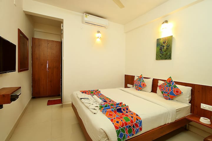 Private AC big room for 2 + Room service available