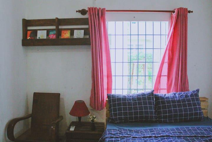 Bedroom #2 - Twin bed - 2 people