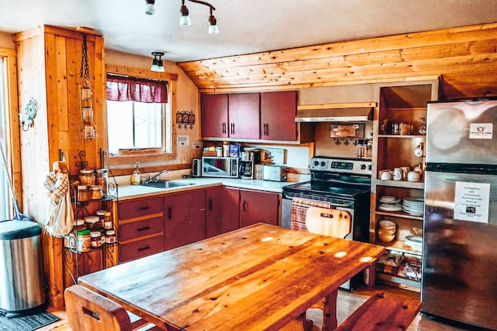 Grand logement tout équipé à St-Mathieu-du-Parc