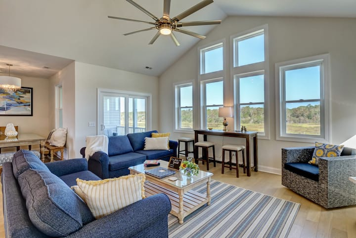 Tide and Seek - NEW LISTING! SUNSET/WATER VIEWS!
