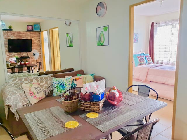 One Spatial Iloilo 2BR Condo with Netflix