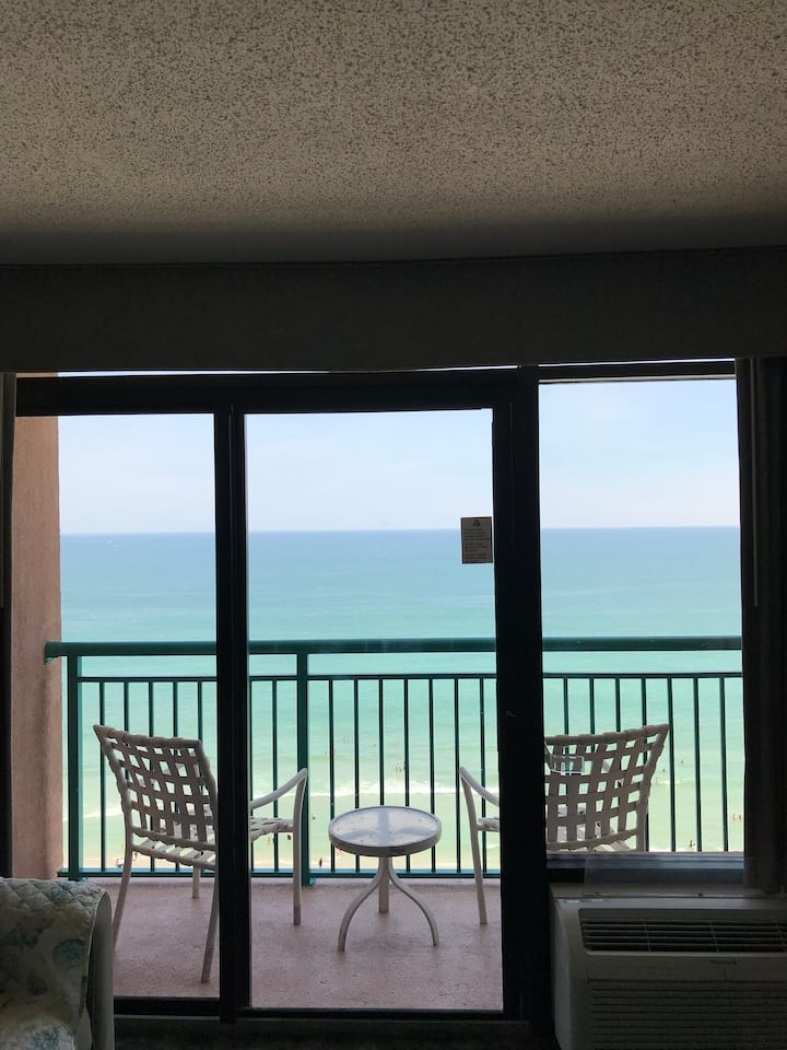 Oceanfront Condo Peaceful Fall Getaway