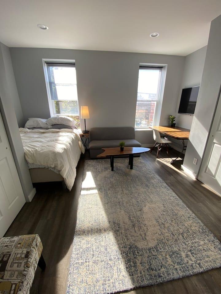 Stylish, Sleek and Simple 1 Bedroom - Francisville