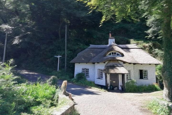 Delightful  Devon Chocolate Box Cottage
