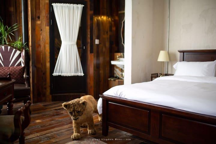 ZOO · EQUATOR 五一广场橘子洲旁的空中别墅*zebra斑马之歌* 复古野奢 全景浴缸房