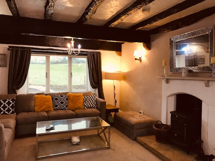 3 Bedroom Country Retreat-Dogs Welcome