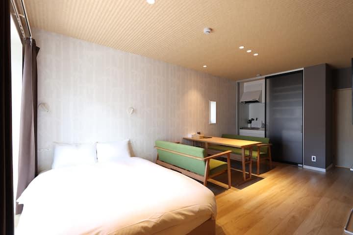 新大阪からアクセス抜群♪豊富なベッド数で団体の方でも安心☆彡【エコノミーファミリールーム】