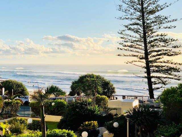 SOL @ Baywatch Surf - Beachfront 1 Bdrm Apartment