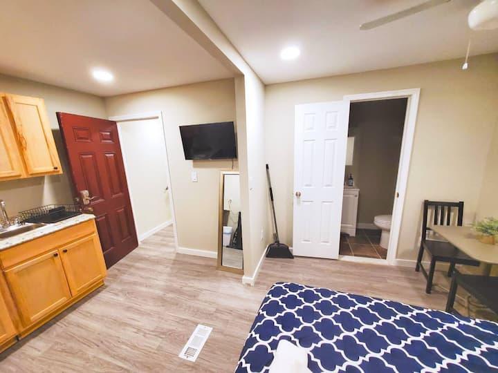 ✤Beautiful Studio Apartment   20 Mins to Downtown✤