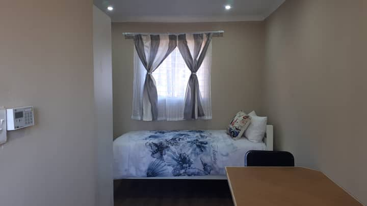New Studio Flat across University of Johannesburg
