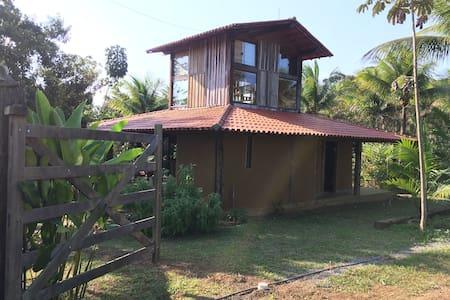 Casa Araçari, Bioconstrução em Sítio próx a vila.