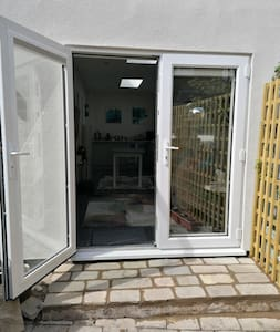 Both doors open from one wide step. Entrance 164cm wide