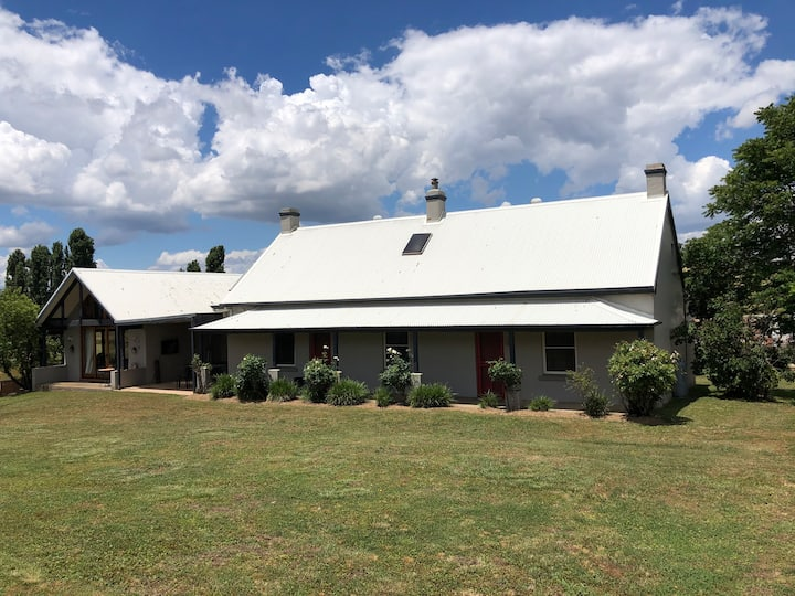 Hazeldean Farmhouse sleeps 8-15 people with pool