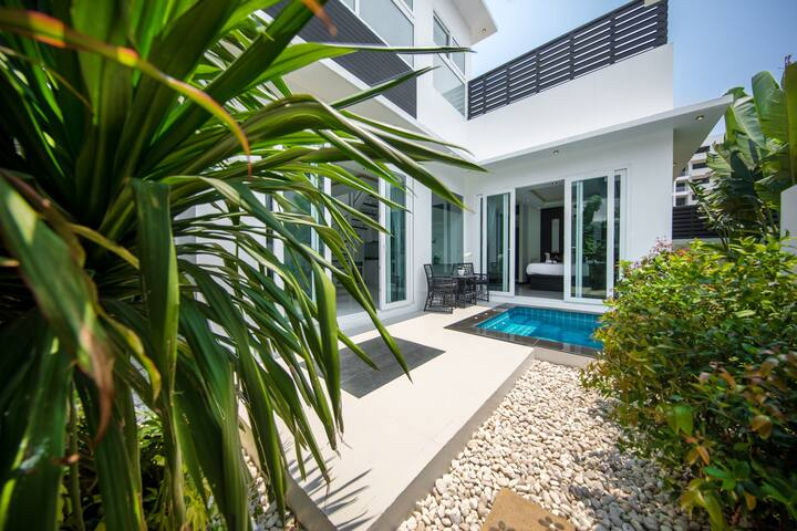 Premium Colibri Pool Villa Pattaya, Palm Oasis 2BR