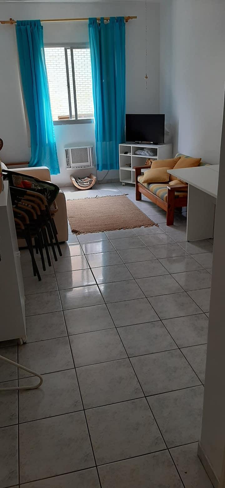 Confortável - 01 dormitório - Enseada - Guarujá