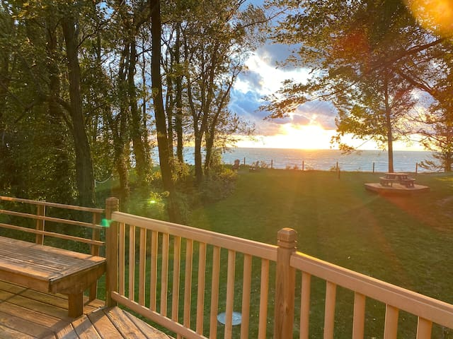 Secluded Rustic Beauty on Lake Michigan