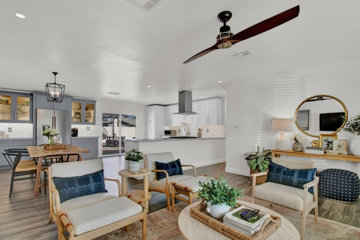 Luxe Old Town Retreat - perfect for work or play!