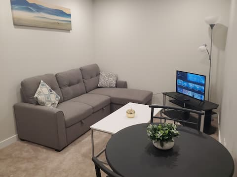 Newly Built Private Suite Regina