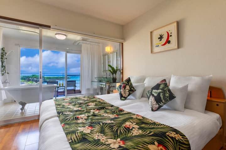 ホテルホームランドA室 オーシャンビューの絶景でプライベートビーチのある南国プチリゾートスタイル