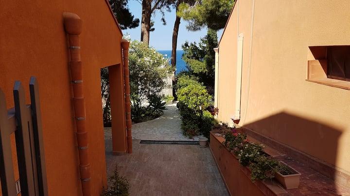 Villa con giardino vista mare Scopello