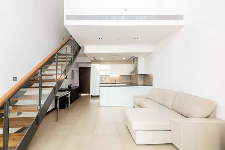 Luxe Loft Style Apartment in DIFC