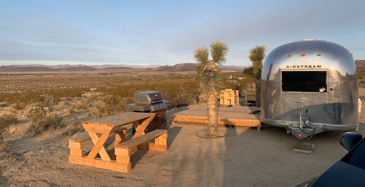 Joshua Tree Desert Glamping Airstream with View