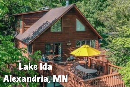 Hideaway Cabin located on Lake Ida in Alexandria