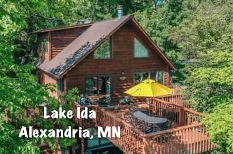 Hideaway Cabin on Lake Ida in Alexandria, MN