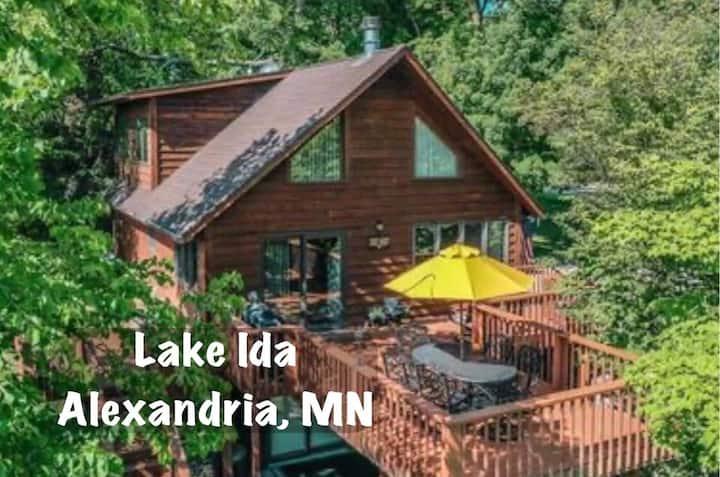 Hideaway Cabin on Lake Ida in Alexandria, MN