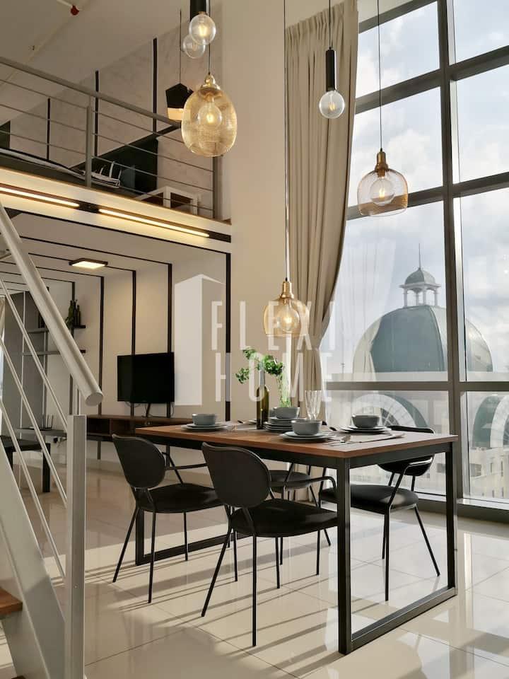 Dusk Till Dawn, Comfy Duplex Home by Flexihome