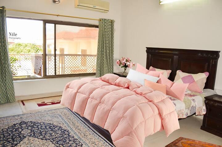 Beautiful Room, private balcony, bathroom, kitchen