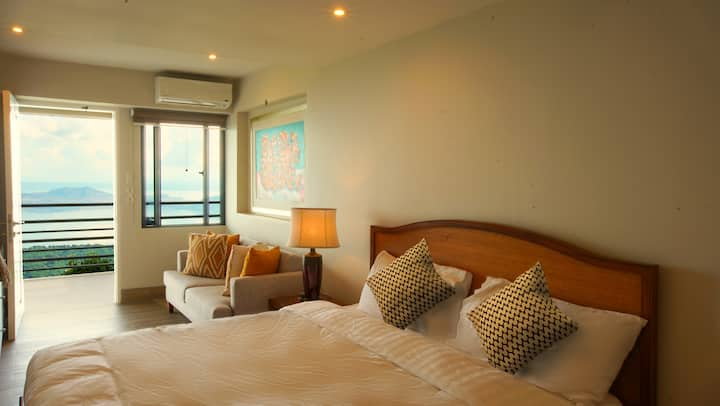 Deluxe King Room with Panoramic Taal View