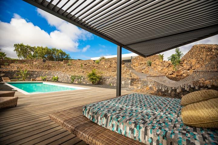Superbe nouvelle maison avec piscine chauffée