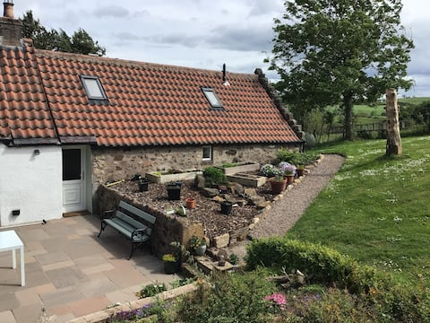 Self catering cottage in countryside setting.