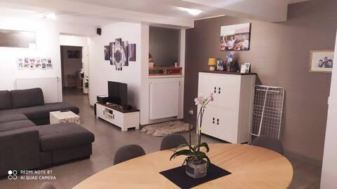 Gelijkvloers appartement in het centrum van Mere