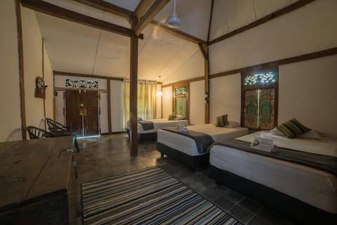 Rumah Jembarati - Unique House with Merapi View