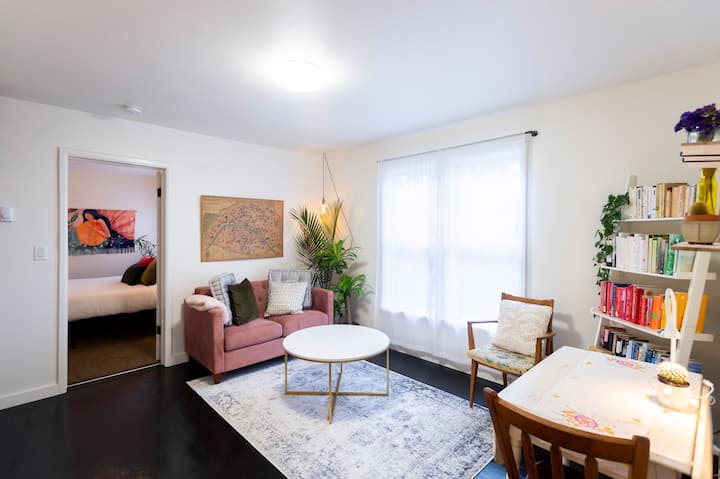 Central-Location 1bd/1b Renovated w/ Washer&Dryer