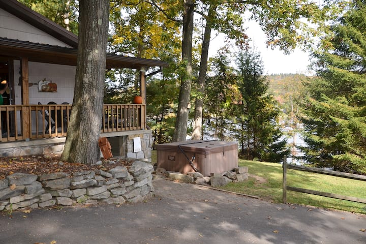 Newly Updated | Hot Tub & Awesome Views!