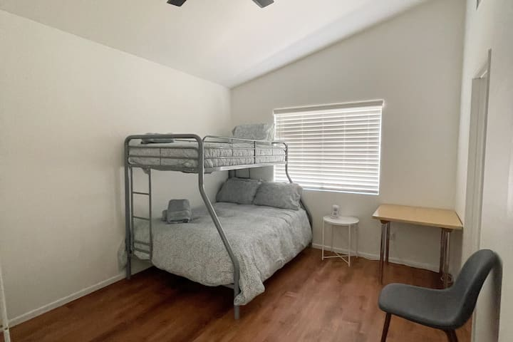 Bunk Bed room (full and twin bed)