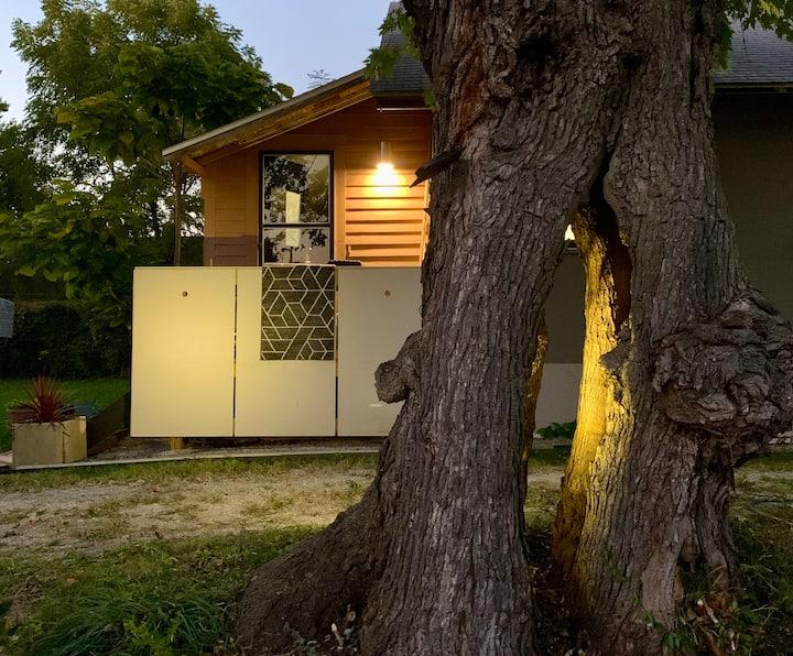 Hollow Tree Bungalow