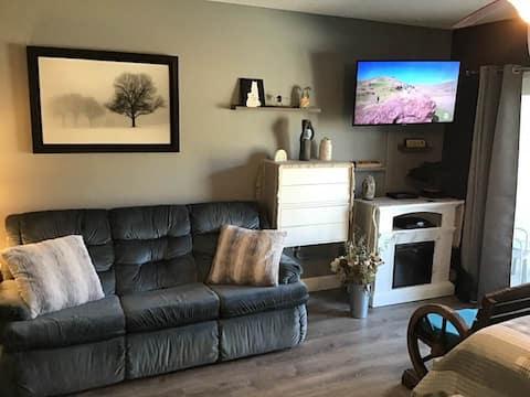 Cozy studio condo near Loon Mountain