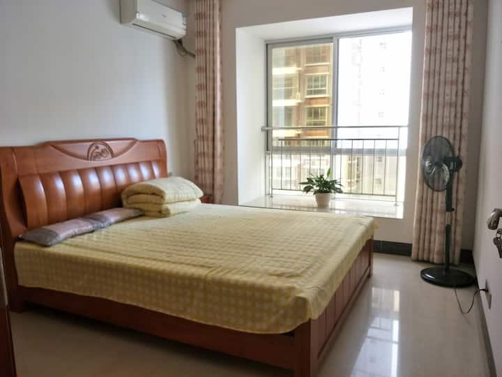 天香国际小区阳光明亮温馨大三房大床整租