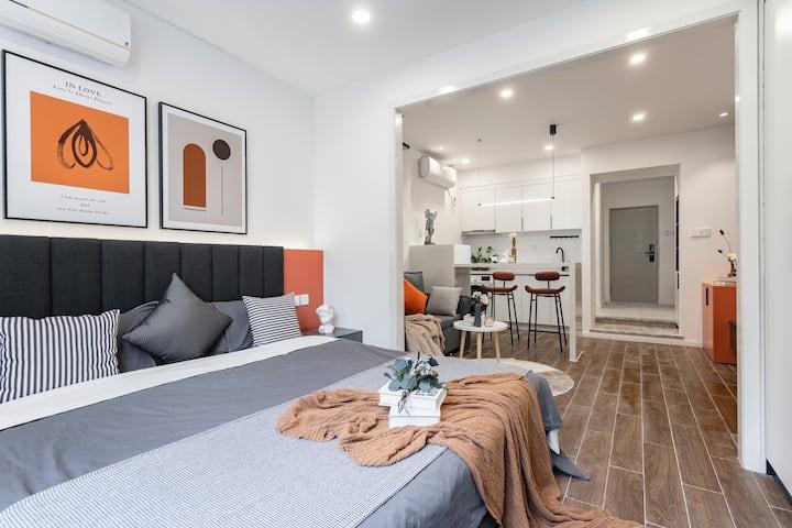 每客消毒 【A78】 超清投影 红星路地铁站 成都339 舒适一居室 可住2人